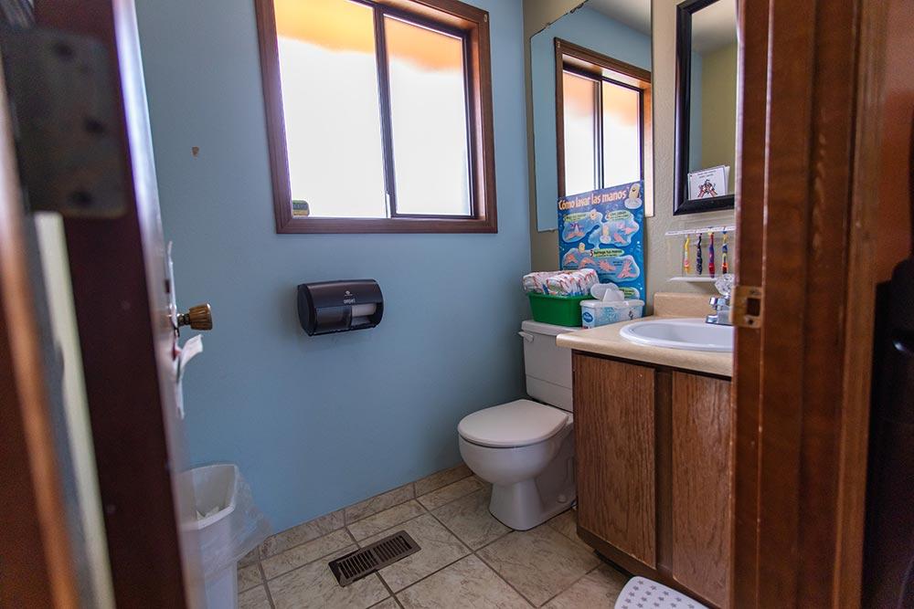 Mary's Guarderia y Preescolar bathroom