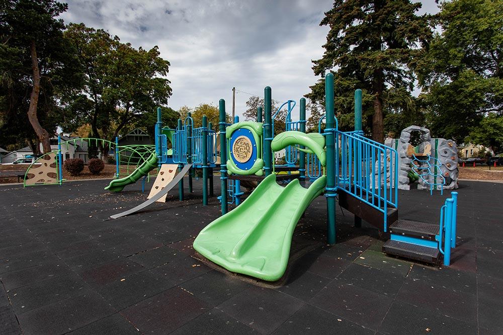 Salem-Keizer School Richmond slides and jungle gym
